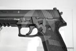 Pistola semiautomatica CO2 Sig Sauer modello P226 calibro 4.5 black macro