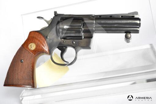 Revolver Colt modello Pyton canna 4 calibro 357 Magnum lato